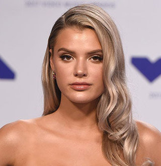 Alissa Violet Wiki, Bio, Age, BirthDay, Boyfriend, Dating, Net Worth,