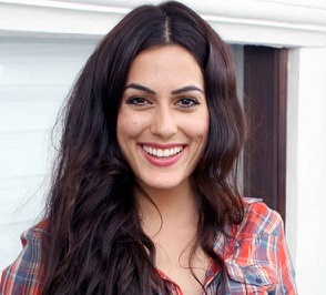 Amrit Maghera Wiki, Bio, Age, Birthday, Boyfriend, Dating and Parents