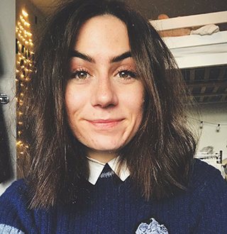 Dodie Clark Age, Boyfriend, Dating, Songs, Sexuality & Facts
