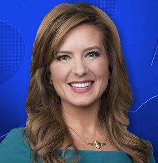 Fox 25's Elizabeth Hopkins Age, Wedding, Married, Engaged, Husband & Family Status