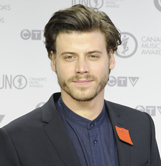 François Arnaud Bio: Age, Dating Status, Movies & TV Shows