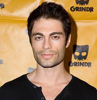 Jon Fleming Wiki, Age, Girlfriend, Dating, Gay, Height, Parents