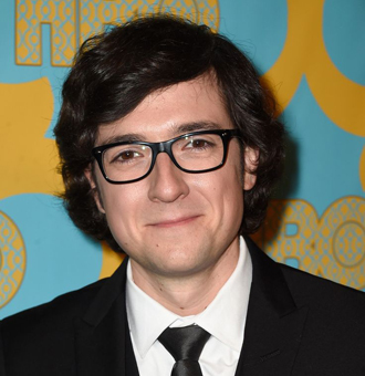 Josh Brener Married, Wife, Girlfriend, Family, Net Worth, Movies