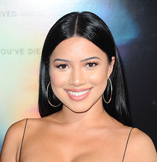Julia Kelly Has Boyfriend At Age 23? Bio With Family, Height, Net Worth