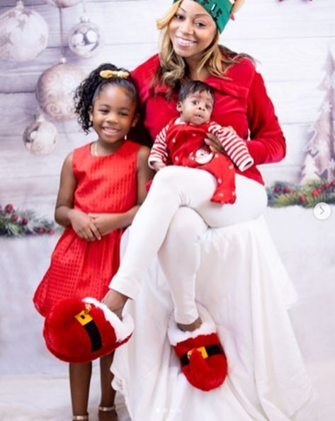 LaTavia-Roberson-with-her-son-and-daughter-2020