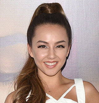 Lexi Ainsworth Bio: Boyfriend, Dating, Married, Parents