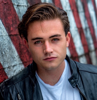 Luke Cosgrove Wiki, Age, Parents, TV Shows, Who Is His Girlfriend?
