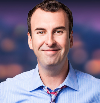 Matt Braunger Married, Wife, Girlfriend, Gay, Tour, Net Worth, Family