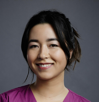Maya Erskine Married, Husband, Boyfriend, Dating, Parents, Ethnicity