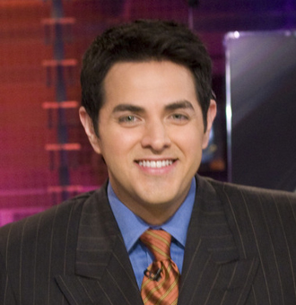 Robert Flores Bio, Age, ESPN, Salary, Net Worth, Married, Wife, Gay