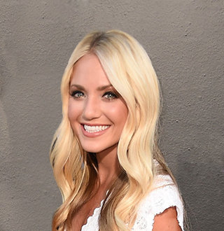 Savannah Soutas Age, Baby Daddy, Ex Boyfriend, Pregnant, Wedding