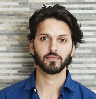 Shazad Latif Bio, Height, Birthday, Married, Girlfriend, Gay, Single, Family