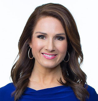 Shiri Spear Bio: Age, Birthday, Married Life With Husband To Height, Salary, Fox 25