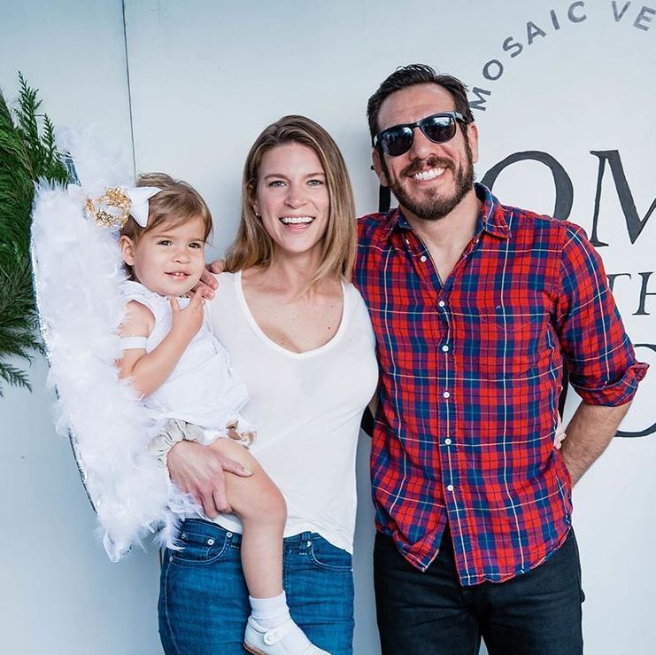 Kenny-Florian-and-his-wife-Clark-Gilmer-plus-daughter