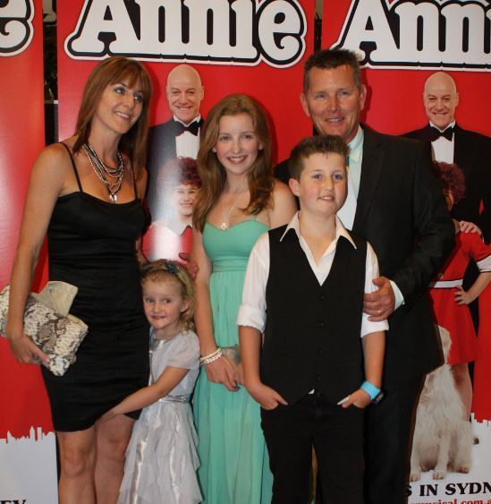 Tom-Burlinson-with-his-wife-Mandy-Carnie-Burlinson-and-three-children-001201