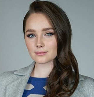 Amy Forsyth Wiki, Age, Height, Parents, Dating