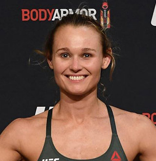 A Look At Andrea Lee Personal Life & Net Worth Details