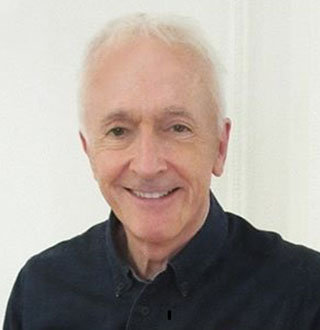 How Much Is Anthony Daniels Net Worth? Books & Married Life Details