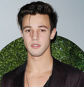 Is Cameron Dallas Dating? Has Girlfriend Amid Gay Rumors At Age 24?