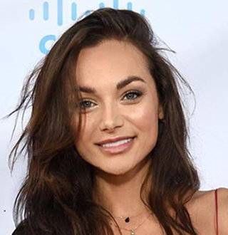 Christina Ochoa Married, Boyfriend, Family, Height