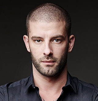 Darcy Oake Married, Gay, Parents, Net Worth
