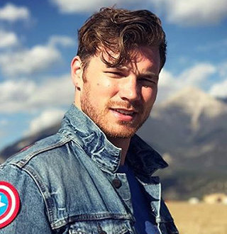 Derek Theler Wife, Girlfriend, Gay, Dating, Parents, Height, Age