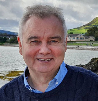 Who Is Eamonn Holmes Wife? His Married Life & Children Details