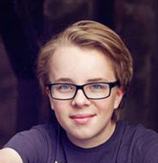 Ed Oxenbould Age, Parents, Net Worth, Girlfriend
