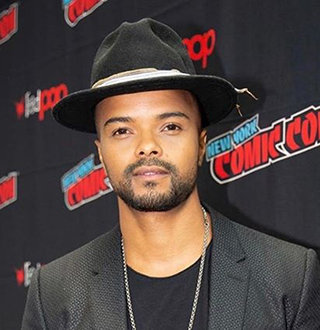 Eka Darville Bio: Age, Married, Family, Ethnicity, Height