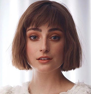 Ellise Chappell Married, Family, Height