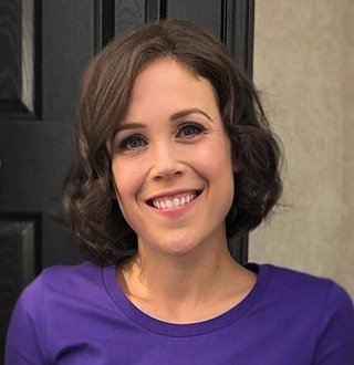 Is Erin Krakow Married? Husband, Dating, Height & More