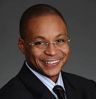 Gus Johnson( Sportscaster) Married, Wife, Family, Gay, Salary