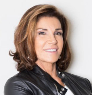 Hilary Farr Age, Son, Husband, Net Worth