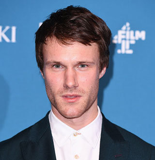 Hugh Skinner Bio, Age, Movies, TV Shows, Gay, Dating Status