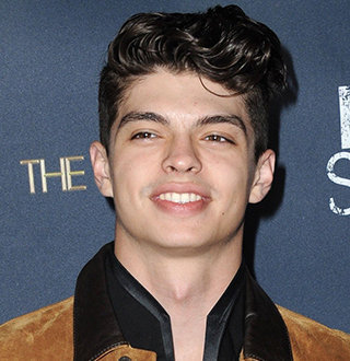 Ian Eastwood Relationship Status, Bio & Height