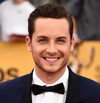 Jesse Lee Soffer Dating Status, Girlfriend, Single, Family