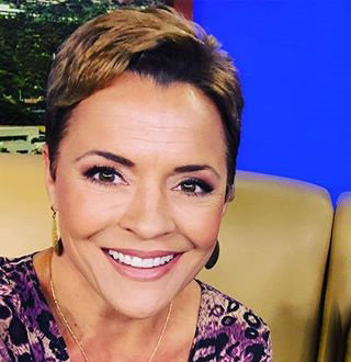 Kari Lake Wiki, Age, Husband, Family, Fox 10, Salary
