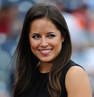 Kaylee Hartung Married, Husband, Boyfriend, Parents, Salary, Height