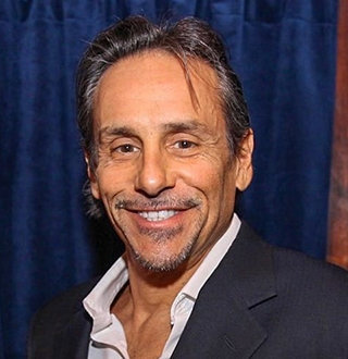 Larry Romano Bio, Age, Married Status, Brother & More