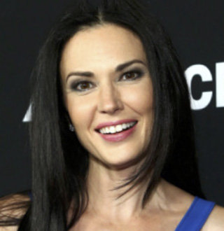 Laura Mennell Dating, Husband, Parents