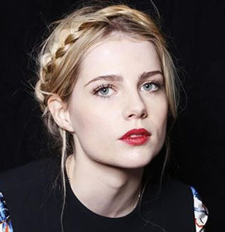 Lucy Boynton Dating, Family, Net Worth