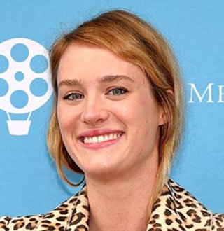 Mackenzie Davis Bio Uncovers Age, Movies, Gay, Dating Status