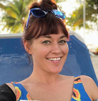 Mamrie Hart Bio, Age, Dating Status, Net Worth, Parents & More