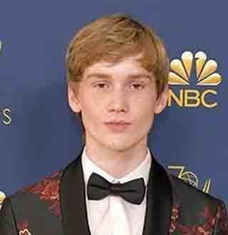 Matt Lintz Bio, Family, Girlfriend, Height