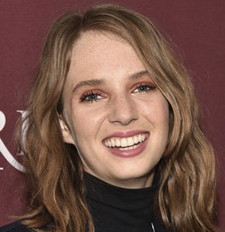 Maya Hawke Wik, Age, Boyfriend, Parents