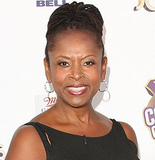 Robin Quivers Cancer Battle Story | Married, Boyfriend Status Now