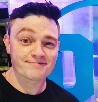 Scott Snyder Married, Wife, Girlfriend, Gay, Net Worth, Height