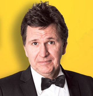 Is Stewart Francis Married? Who Is His Wife? Height, Family & Facts