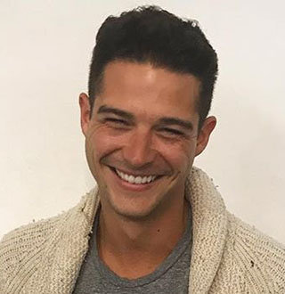 Wells Adams Age, Girlfriend, Wedding
