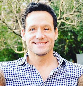 Josh Hopkins Married, Wife, Girlfriend, Dating, Gay, Family